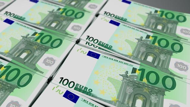 100eurové bankovky.jpg